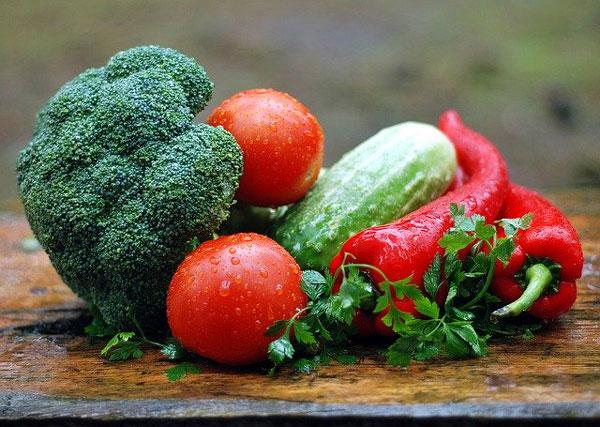 Las importancia de las frutas y las verduras en las personas mayores